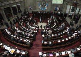 Congreso aprobó de urgencia nacional las reformas al delito de financiamiento electoral ilícito que beneficiará a dirigentes de partidos señalados. (Foto Prensa Libre: Hemeroteca PL)