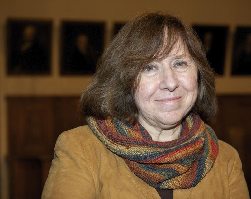Svetlana Alexiévich es conocida como la documentalista del fracaso de la utopía soviética. (Foto Prensa Libre: EFE)
