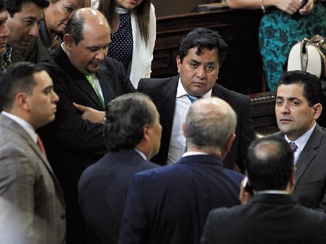 Al trasladarse el dictamen a la Dirección Legislativa, luego se lleva al pleno para su discusión.