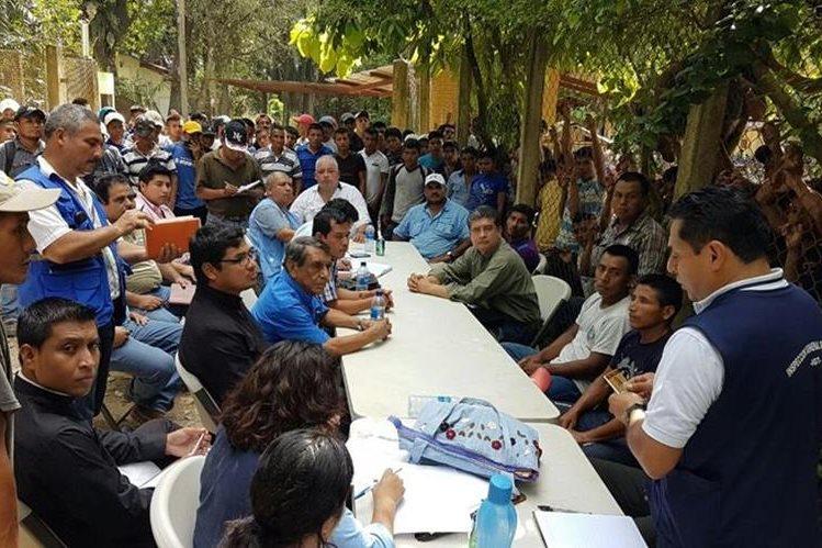 El sector laboral pide un aumento del 52% para el salario mínimo para el agro y la maquila. (Foto Prensa Libre: Dony Stewart/Hemeroteca)