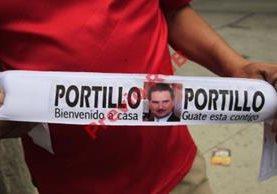 Cientos de  simpatizantes tienen previsto dar la bienvenida al expresidente en el aeropuerto La Aurora. (Foto Prensa Libre: Erick Ávila)