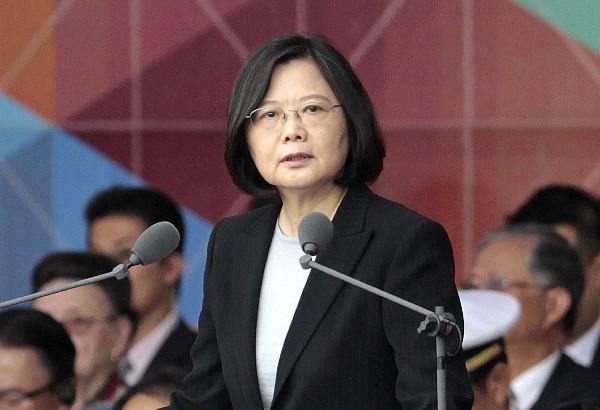 Tsai Ing-wen da un discurso durante las celebraciones del Día Nacional en Taipei, Taiwán. (AP).