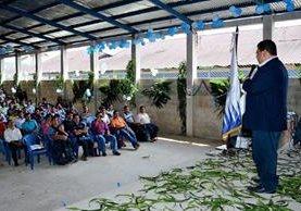 Autoridades y  estudiantes del Cusacq inauguran extensión para  una licenciatura en Educación Bilingüe Intercultural. (Foto Prensa Libre: Óscar Figueroa).
