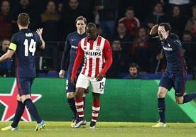 El Atlético empató sin goles de visita al PSV.