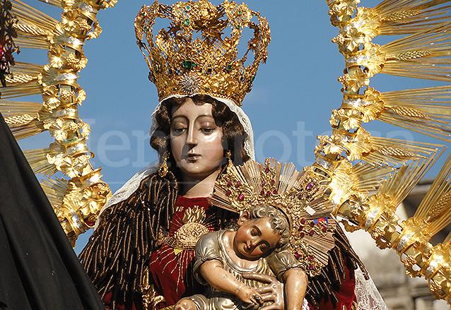 Virgen del rosario maravilla de arte y devocin la virgen del rosario es una escultura hecha de plata fundida a finales del siglo xvi thecheapjerseys Choice Image