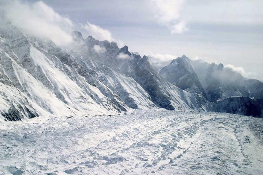 Panorama del monumental glaciar Siachen, ubicado en la frontera entre India y Pakistán. (Foto Prensa Libre: AP).