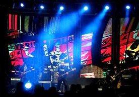 Nueve grupos compartieron escenario e interpretaron lo mejor del rock local.