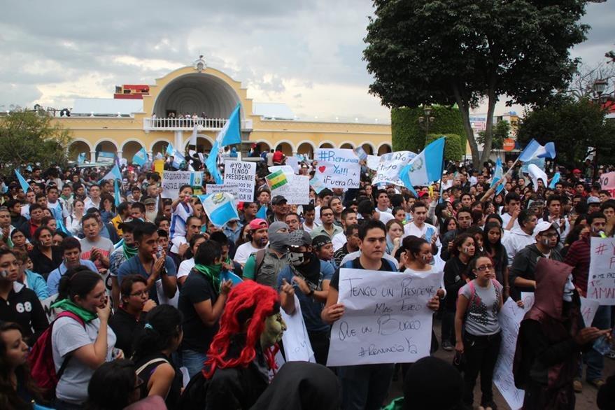 Manifestaciones populares deben enfocarse en el Congreso de la República, asegura Ramazzini. (Foto Prensa Libre: Mike Castillo)
