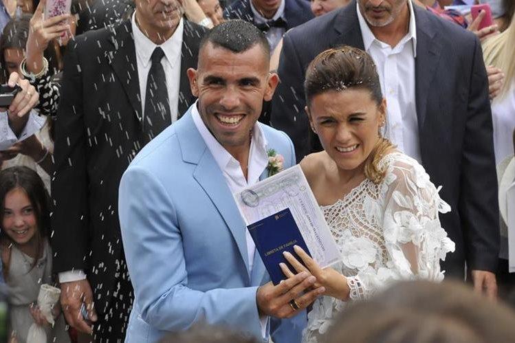 Tevez, quien contrajo matrimonio con Vanesa Mansilla Tevez, no formuló denuncia del caso por lo cual se desconocen otros detalles del robo. (Foto Prensa Libre: AFP).