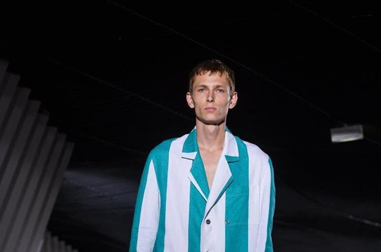 Colección primavera-verano de la marca Etudes. La presentación de las colecciones masculinas se realizan del 21 al 25 de junio en París. (Foto Prensa Libre: EFE)