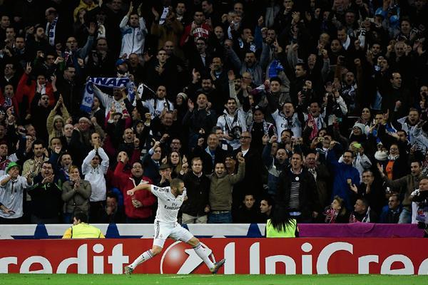Benzema tiene la confianza de que se pueda ganar en el clásico en el Camp Nou. (Foto Prensa Libre: Hemeroteca PL)