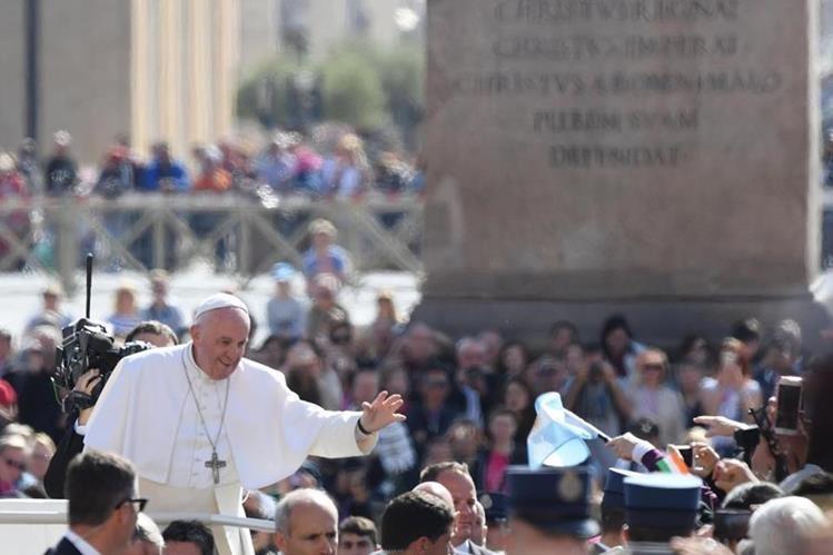 El Papa Francisco señala la falta de valores a practicar en la sociedad mundial. (Foto Prensa Libre: EFE)