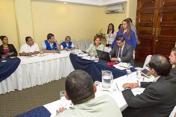 En la mesa técnica convocada por la Diaco no asistieron abastecedores y ganaderos. (Foto Prensa Libre: Norvin Mendoza)