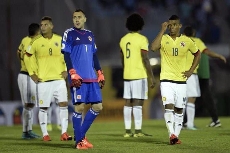 Los cafeteros sufrieron tras la derrota frente a Uruguay. (Foto Prensa Libre: AP)