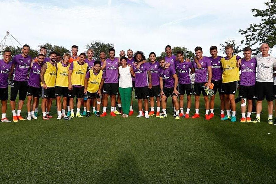 La tenista española Karla Suárez visitó al Real Madrid en Montreal. (Foto Prensa Libre: Real Madrid)