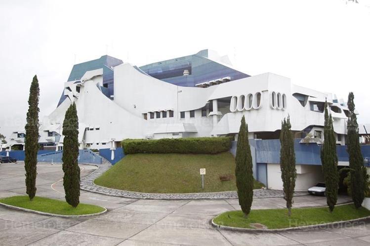 Fachada del monumental Teatro Nacional. (Foto: Hemeroteca PL)