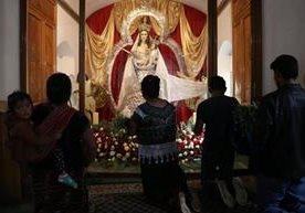 Fieles católicos celebraron a la Virgen de Candelaria.