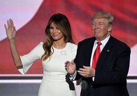 Melania Trump dijo que quizá Trump no sabía que micrófono estaba encendido al hacer comentarios sexistas. (Foto: AFP)