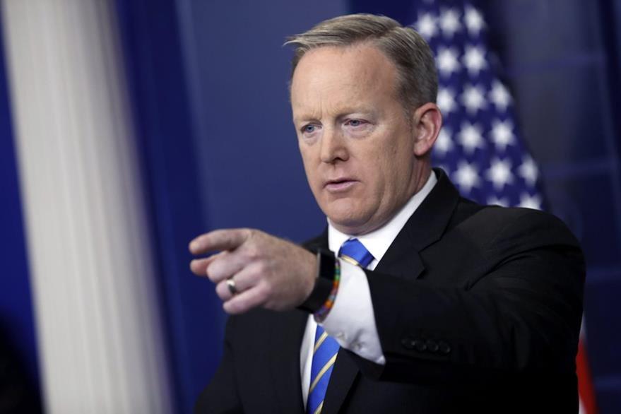 El portavoz de la Casa Blanca, Sean Spicer, aseguró el martes que Trump tiene pruebas del supuesto fraude electoral. (Foto Prensa Libre: EFE).