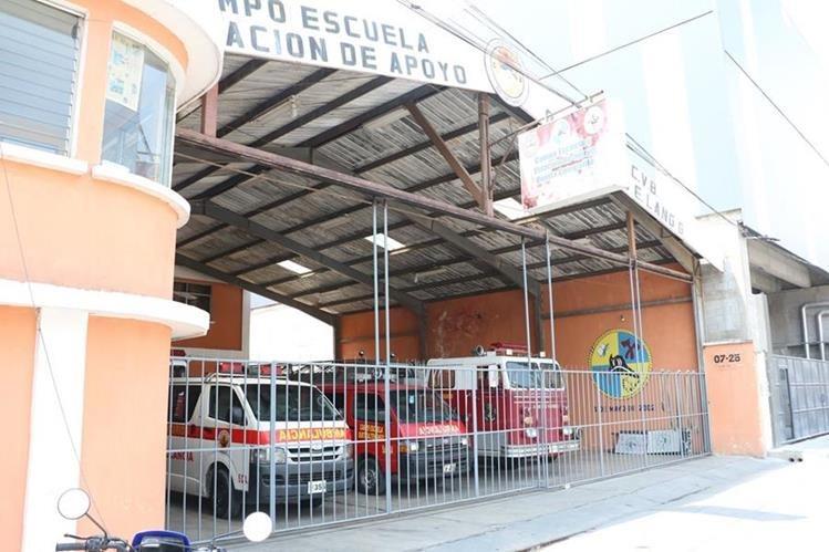 Estación de Bomberos Voluntarios de la zona 3 de Quetzaltenango que ha afrontado problemas por la falta de personal. (Foto Prensa Libre: Carlos Ventura)