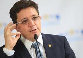 Julio Héctor Estrada, ministro de Finanzas, cree que si el BID y BM no otorgan préstamos al país, puede impactar en el largo plazo. (Foto Prensa Libre: HemerotecaPL)