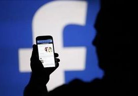 Las pandillas reclutan a jóvenes vía Facebook, dijo el director general de la Policía Nacional Civil salvadoreña, Howard Cotto.