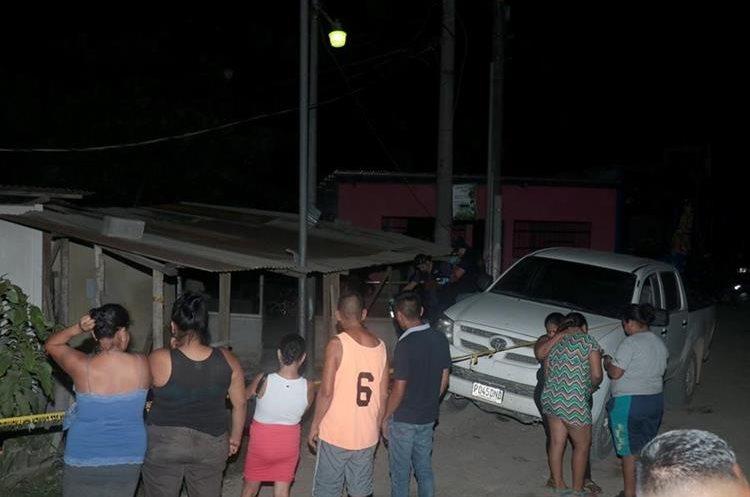 Vecinos de Puerto Barrios aseguran que dos hombres fueron los que le causaron la muerte a Zulma Xiomara Figueroa Bracamonte. (Foto Prensa Libre: Dony Stewart)