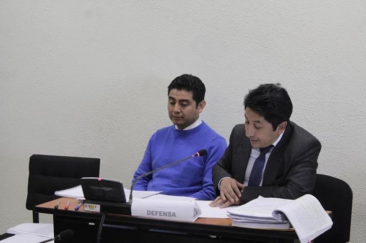 Médico Engelver Figueroa empieza juicio por homicidio culposo, en Xela, por caso en el que una paciente murió. (Foto Prensa Libre: María José Longo)