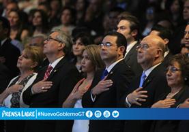 El presidente Jimmy Morales junto a su esposa, Patricia Marroquín de Morales, durante la actividad. (Foto Prensa Libre)