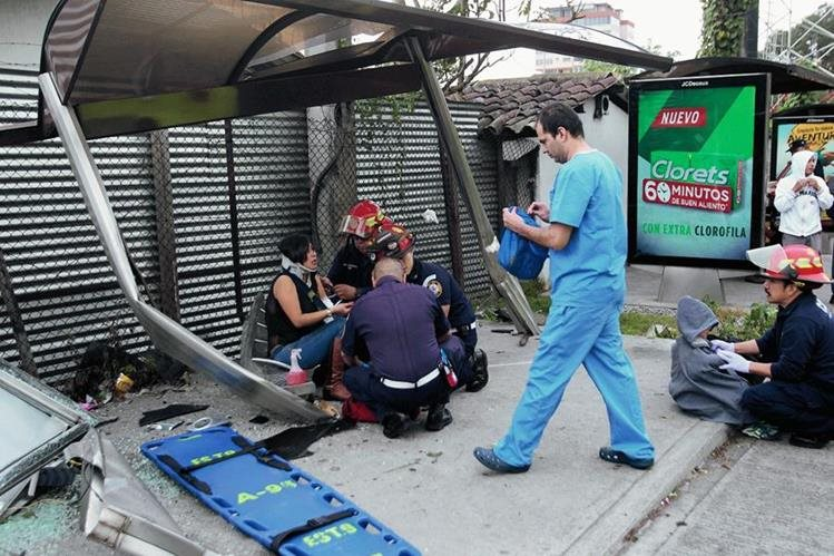 Los accidentes de tránsito también son recurrentes en la ruta a El Salvador informaron cuerpos de socorro ( Foto Prensa Libre: Hemeroteca PL)