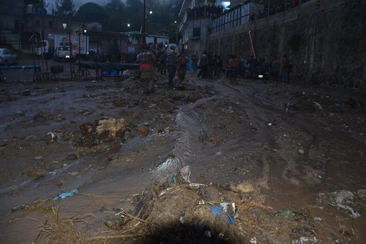Inundación en Sololá. (Foto Prensa Libre: Édgar René Sáenz)
