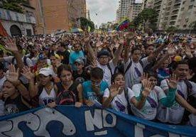 Oposición llama a la toma de ese país en contra de Maduro