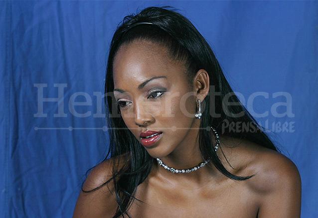 Marva Weatherborn fue la primera garífuna en ser electa como representante de la belleza nacional en 2004. (Foto: Hemeroteca PL)