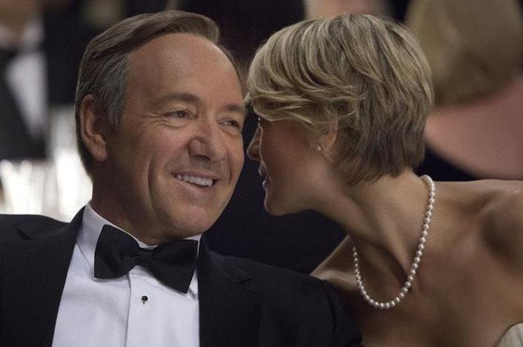 Kevin Spacey interpretaba a Frank Underwood, esposo de Claire Underwood (Foto Prensa Libre: Netflix).