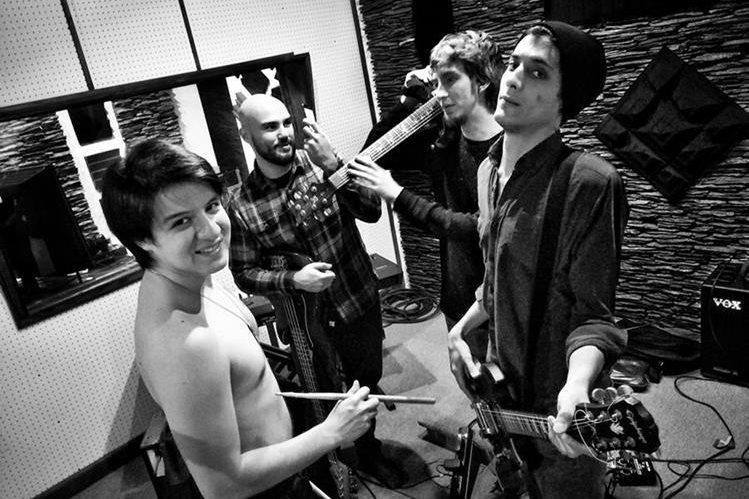 El grupo Yerimkala promueve su álbum homónimo. (Foto Prensa Libre: Aly Urizar)