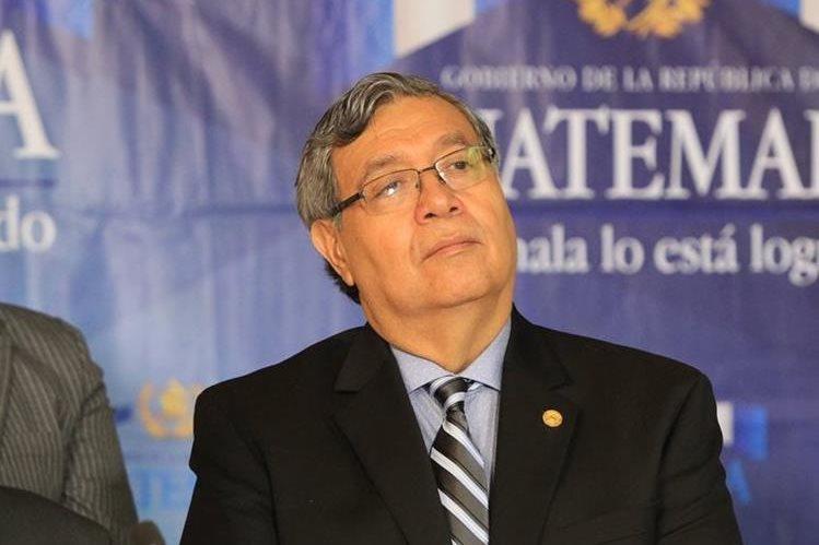 Vicepresidente Jafeth Cabrera afirma que el dueño de la casa donde vive aclarará dudas a la Prensa. (Foto Prensa Libre: Esbin García)