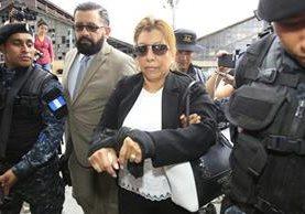 A la exregistradora la vinculan con plazas fantasma dentro del Registro General de la Propiedad. (Foto Prensa Libre: Estuardo Paredes)
