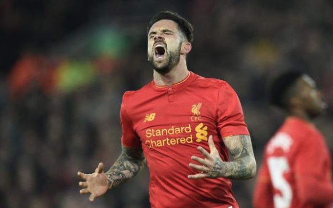 Danny Ings, delantero del Liverpool, estará fuera de actividad por nueve meses por una lesión en la rodilla. (Foto Prensa Libre: Hemeroteca)