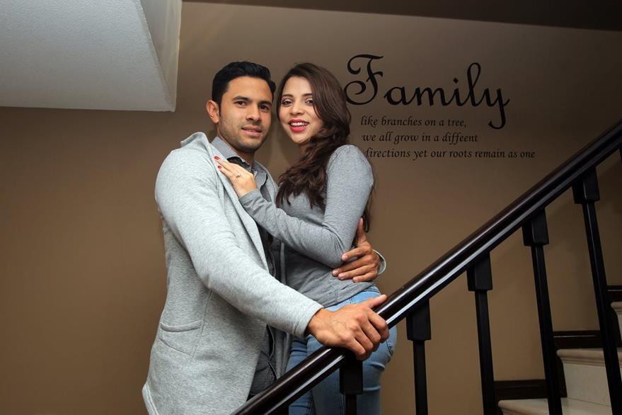 hessler Archila, junto  a su novia, Tracy. (Foto Prensa Libre: Carlos Vicente)