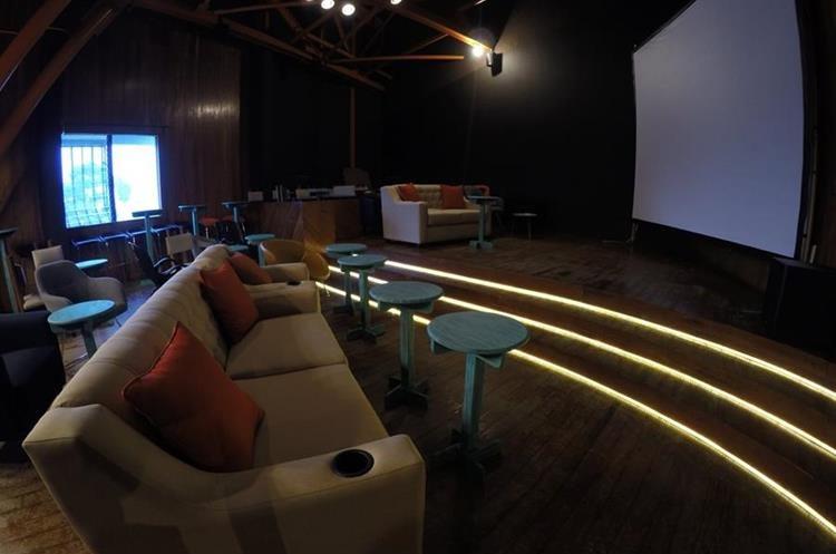 La sala de cine est lista para recibir a los cin filos - Fotos salas de cine en casa ...