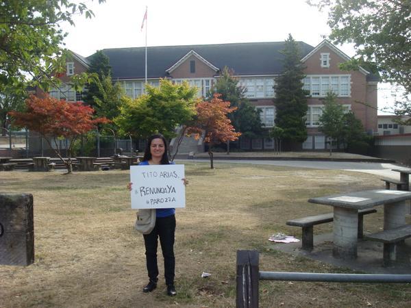 Isabel Barrios, estudiante de una universidad de Vancuver, Canadá, muestra su apoyo. (Foto: @isa_arch)