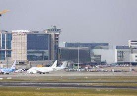 <span>Aeropuerto de Bruselas</span><span>,</span> <span>en Zaventem</span><span>,</span> <span>después de dos</span> <span>explosiones.</span>
