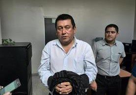 Jorge Jiménez, vocero de la municipalidad de Mixco, fue capturado acusado de abusar sexsualmente a una menor. (Foto Prensa Libre: Estuardo Paredes)