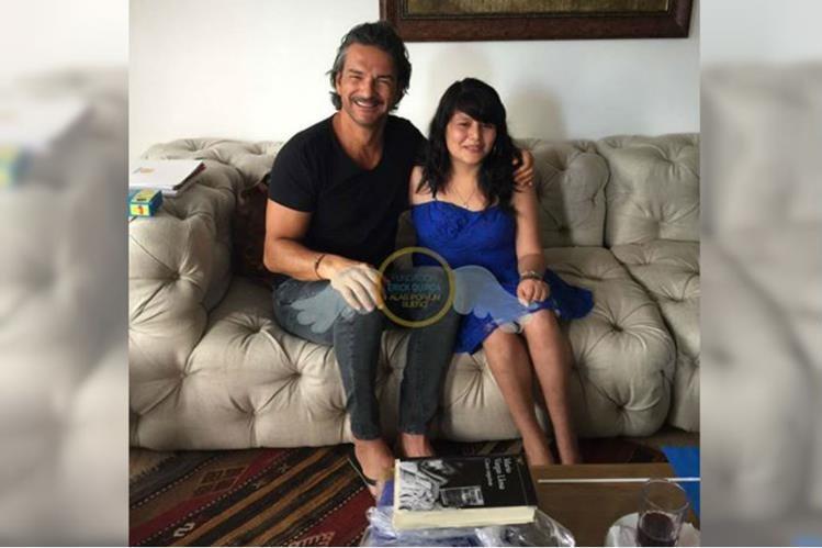 Ricardo Arjona cumplió el sueño de la guatemalteca Ileana Juárez. (Foto Prensa Libre: Fundación Erick Quiroa, Alas por un sueño)