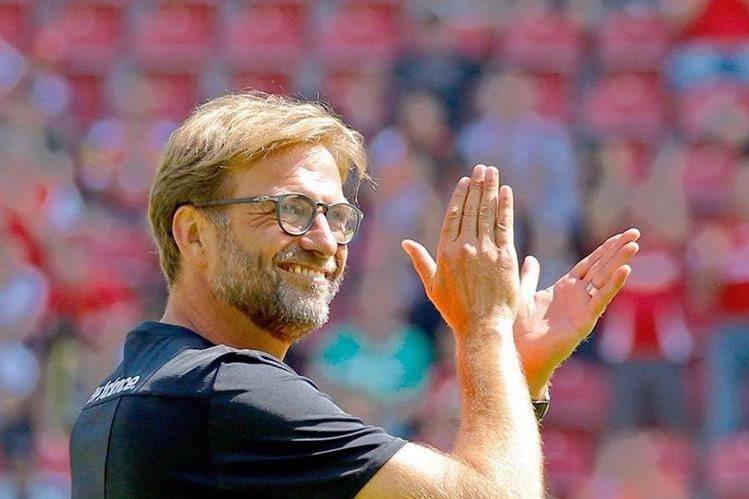 Klopp se prepara para el debut del Liverpool en la Premier League. (Foto Prensa Libre: EFE)