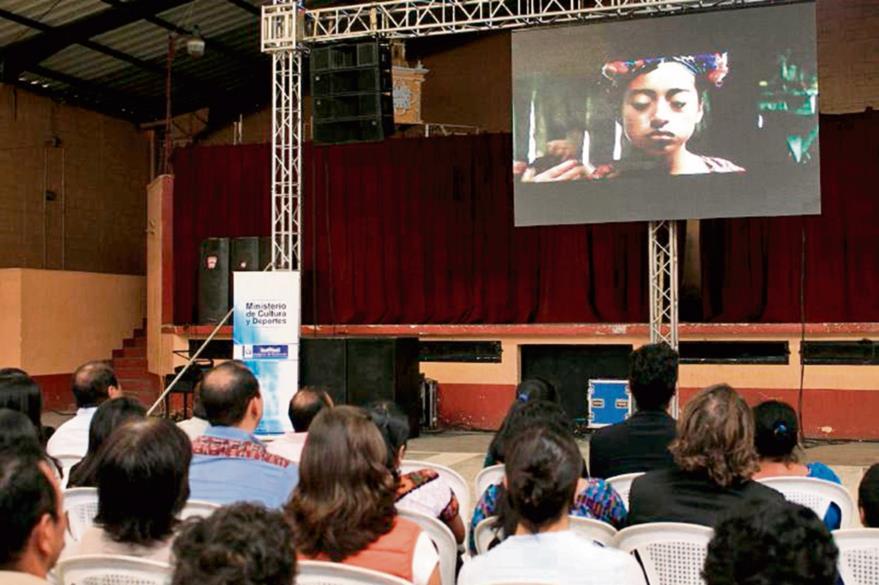 El volcán de Pacaya se convierte en el escenario donde se desarrolla la historia de Ixcanul. (Foto Prensa Libre: Enrique Paredes).