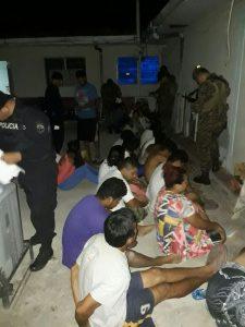 A las 8 horas del martes, la FGR de El Salvador confirmaba 101 capturas. (Foto Prensa Libre: FGR)