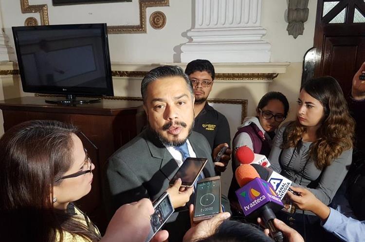 El diputado Javier Hernández estaría buscando también presidir el Congreso en el próximo periodo. (Foto Prensa Libre: Carlos Álvarez)