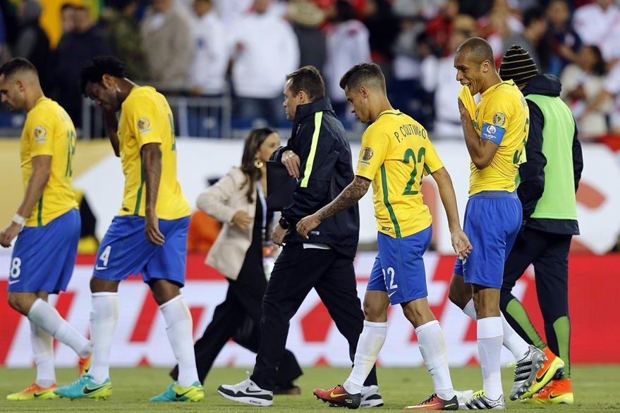 Los brasileños tuvieron una mala actuación en la Copa América y Dunga fue despedido. (Foto Prensa Libre: EFE)