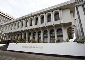 Organismo Judicial beneficia con tres contratos por Q108 mil 500 a empresa en menos de 10 días. (Foto Prensa Libre: Hemeroteca)